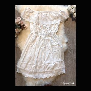 NWOT NEW Off shoulder White Lace Dress 💓✨